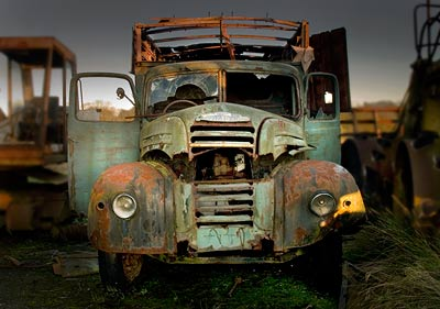 Rusting old truck at Folkingham Airfield