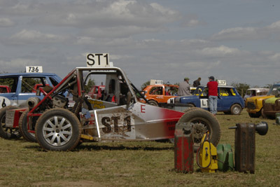 Grass Car Rally photography by Bargh